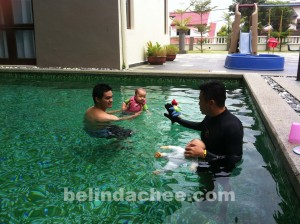 Don't play-play, private swimming lessons, ok?!